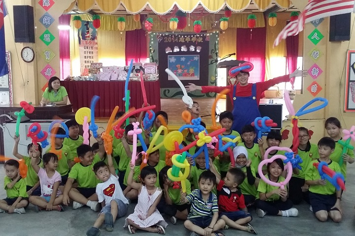 Balloon Twisting for Children Day