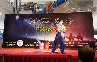 9b Christmas Balloon Art @ Sutera Mall 338x215